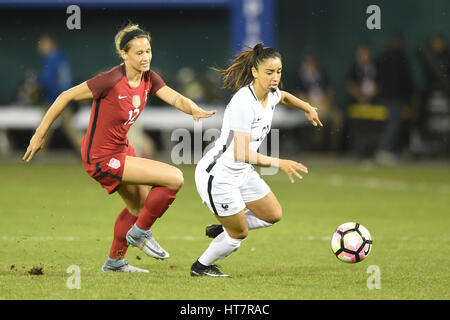 Washington DC, USA. 07th Mar, 2017. France's Sakina Karchaoui (23) battles USA's Lynn Williams (12) during the match - Stock Photo