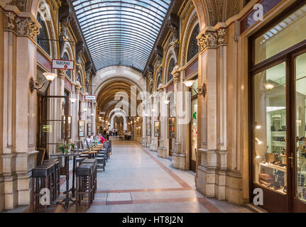Cafe and shops in the Freyung Passage, Palais Ferstel, Innere Stadt, Vienna, Austria - Stock Photo