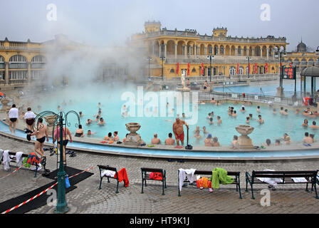 At the The Széchenyi Medicinal Bath in City Park (Varosliget) Budapest, Hungary. It is the largest medicinal bath - Stock Photo