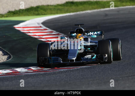 Lewis Hamilton (GBR) driving his Mercedes AMG W08 Hybrid, during Formula 1 winter testing at Circuit de Catalunya - Stock Photo
