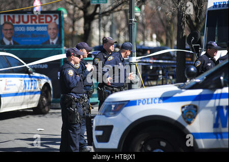 New York, USA. 09th Mar, 2017. The Jewish Children's Museum in Crown Heights, Brooklyn, was evacuated on Thursday - Stock Photo
