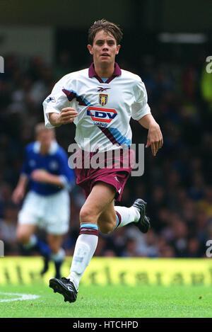 Hendrie Aston Villa