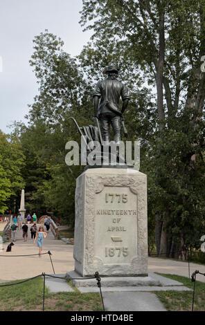 The Minute Man statue, close to the bridge at North Bridge, site of the  Battle of Concord, Concord, MA, USA. - Stock Photo