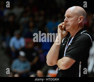 Albuquerque, NM, USA. 10th Mar, 2017. Hope's girls basketball coach Terry Heisey. Friday Feb. 10, 2017. Credit: Jim Thompson/Albuquerque Journal/ZUMA Wire/Alamy Live News