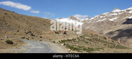A panoramic view of the road between Sarchu and Pang in the mountains of Kashmir. - Stock Photo