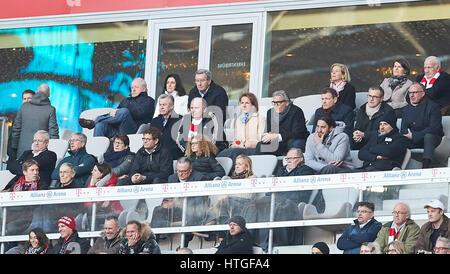 Uli HOENESS (FCB Praesident ) Ottmar HITZFELD, Ex FCB Trainer, Karl-Heinz RUMMENIGGE (Vorstandsvorsitzender FCB - Stock Photo