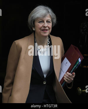 London, 15th Mar, 2017. Prime Minister Theresa May seen leaving 10 Downing Street to attend Prime Minister's Question - Stock Photo