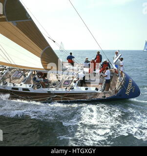 AJAXNETPHOTO. 1989. SOLENT, ENGLAND. - FASTNET RACE YACHT - THE U.S. MAXI YACHT NIRVANA ON THE FIRST LEG OF THE - Stock Photo