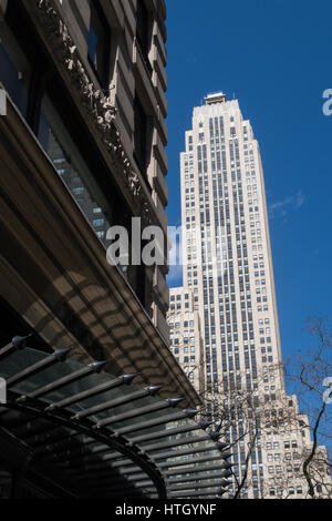 500 Fifth Avenue Office Building, NYC, USA - Stock Photo