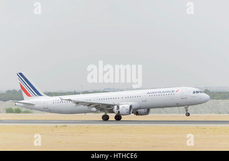 Plane Airbus A321, of Air France airline, is landing on Madrid - Barajas, Adolfo Suarez airport. KLM group. Cloudy - Stock Photo