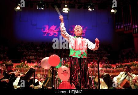 Owain Arwel Hughes conducting the Last Night Of The Proms, St Davids Hall, Cardiff. - Stock Photo