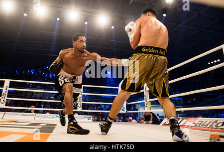 Ludwigshafen, Germany. 11th Mar, 2017. Jack Culcay (Germany, r) and Demetrius Andrade (US) the WBA world half middleweight - Stock Photo