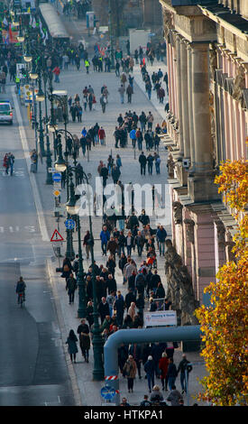 Demonstration auf dem Boulevard Unter den Linden, Berlin. - Stock Photo