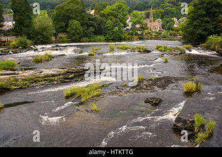 River Dee or Afon Dyfrdwy in Llangollen a popular gateway tourist and scenic destination in North East Wales - Stock Photo