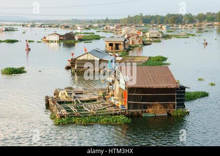 La nga river vietnam stock photo royalty free image - La residence exotique fish house singapour ...