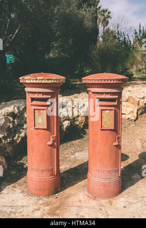 British postboxes in the Yemin Moshe neighbourhood of Jerusalem. The British ruled the mandate of Palestine until - Stock Photo