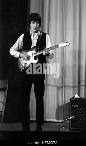 Ray Davies, member of the British rock band The Kinks, on the stage of the Olympia Hall in Paris in 1964. - Stock Photo