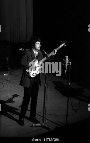 Pete Quaife, member of the British rock band The Kinks, on the stage of the Olympia Hall in Paris in 1964. - Stock Photo