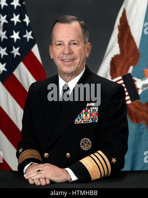 Admiral Michael Glenn 'Mike' Mullen / USN (born October 4 / 1946) is the 17th and current Chairman of the Joint - Stock Photo