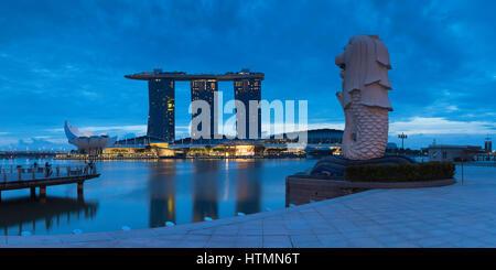 Merlion statue and Marina Bay Sands Hotel, Marina Bay, Singapore - Stock Photo