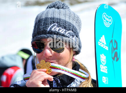 Sierra Nevada, Granada. 16th Mar, 2017. Czech Ester Ledecka shows her gold medal from Women's Giant Slalom final - Stock Photo
