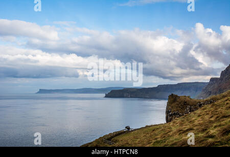 A view from Carrick-a-Rede rope bridge along the north coast of Ireland. - Stock Photo