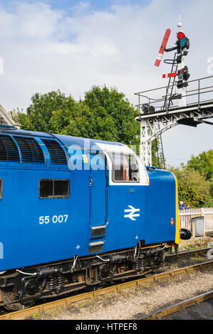 Class 55 Deltic loco with semaphore signals at Wansford on the Nene Valley Railway. This loco is 55022 Royal Scots - Stock Photo