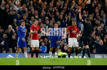 Ander Herrera of Manchester United is sent off by referee Michael Oliver during the FA Cup match between Chelsea - Stock Photo