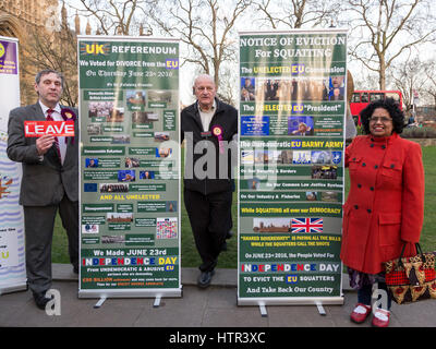 London, UK. 13 March 2017. Pro-Brexit protesters in Parliament Square. - Stock Photo