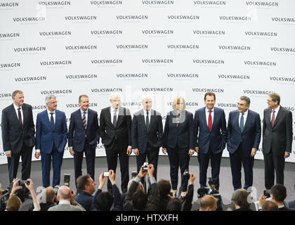 Matthias Mueller, Matthias Müller, CEO of German carmaker Volkswagen and his board members are seen during news - Stock Photo