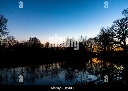 London, UK. 15th Mar, 2017. UK weather. Beautiful, clear dusk and sunset in  Clissold Park,  London. Credit: Carol - Stock Photo