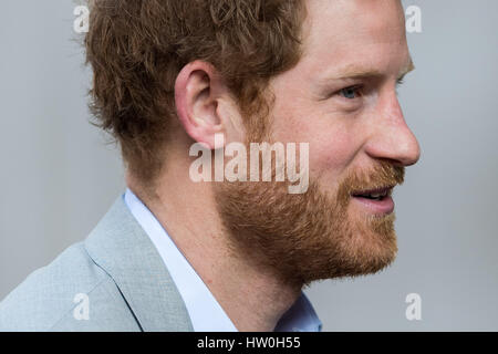 London, UK. 16th March, 2017. HRH Prince Harry arrives at King's College London to join the veterans' mental health - Stock Photo