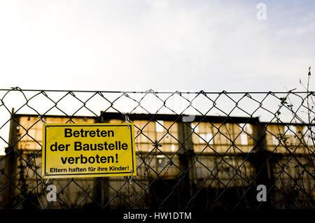 Entrance forbade, Betreten verboten - Stock Photo
