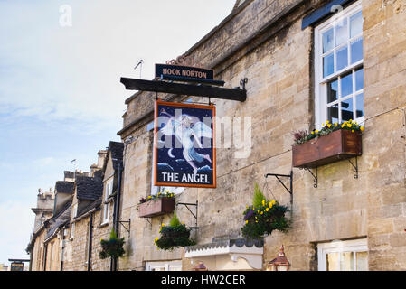 The angel pub sign. Burford. Cotswolds, Oxfordshire, England - Stock Photo