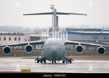 Gdansk, Poland. 17th Mar, 2017. United States Air Force large military transport aircraft Boeing C-17A Globemaster - Stock Photo