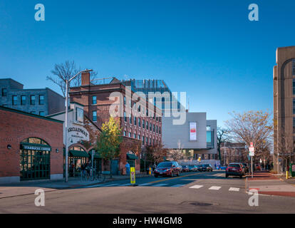 Exterior view of Harvard Art Museums at the Harvard University in Cambridge, Massachusetts, USA. - Stock Photo