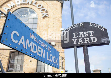 Welcome sign in Camden Lock, which is located on the Regent's Canal in Camden Town, London. - Stock Photo