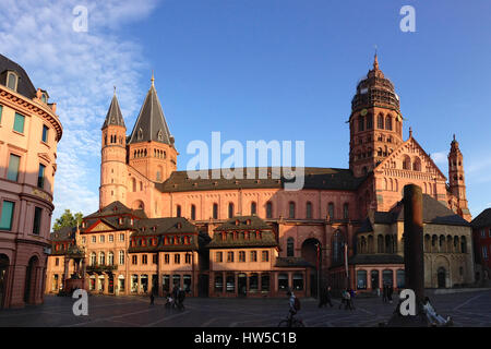 Panoramic view of Mainz Cathedral - Stock Photo