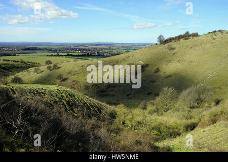 Sun and cloud over the Ivinghoe Hills - Stock Photo