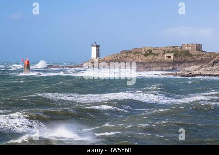 France, Finistere, Iroise Sea, Armorique Regional Nature Park , Le Conquet, Kermorvan lighthouse and Pointe, stormy - Stock Photo