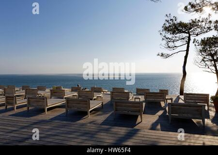 france gironde bassin d 39 arcachon pyla sur mer the hotel stock photo royalty free image. Black Bedroom Furniture Sets. Home Design Ideas