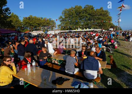 France, Gironde, Bassin d'Arcachon, Ares, Oyster festival - Stock Photo