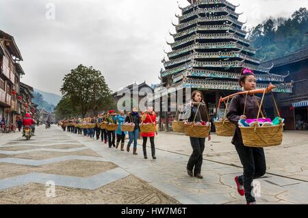 China, Guizhou, Zhaoxing, little capital of the Dong, spring ceremonies, offerings procession - Stock Photo