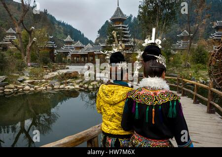 China, Guizhou, Zhaoxing, little capital of the Dong, spring ceremonies, dancers - Stock Photo