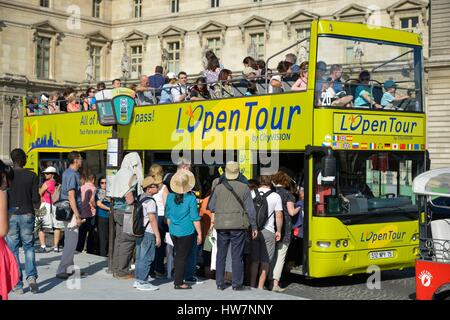 France, Paris, area listed as World Heritage by UNESCO, Place of Carroussel, vacationers embarking aboard a tourist - Stock Photo