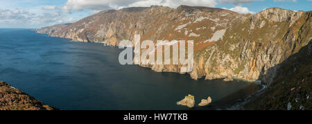 The tallest sea cliffs in Europe at Slieve League, County Donegal, Ireland. - Stock Photo