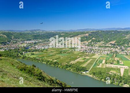 France, Drome, Tain l'Hermitage, view from Pierre-Aiguille belvedere (alt : 336 m), the Rhone river and Saint-Jean - Stock Photo