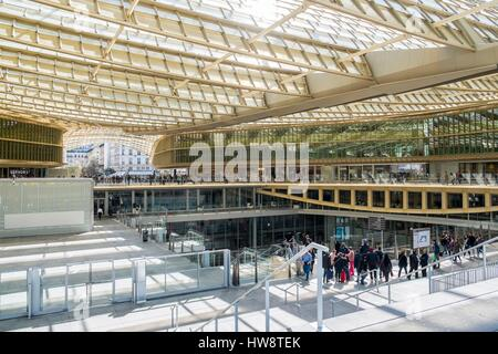 France, Paris, the Forum des Halles Canopy made of glass and metal, designed by Patrick Berger and Jacques Anziutti - Stock Photo