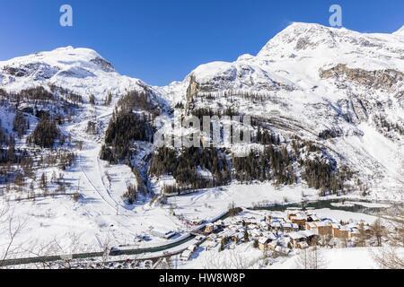France, Savoie, Tignes, Les Brévières, Haute-Tarentaise, massif of the Vanoise, view of the Dome de la Sache (3601m) - Stock Photo