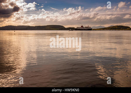 The Caledonian Macbrayne ferry the Clansman leaving Oban harbour in Argyll, Scotlnad. - Stock Photo